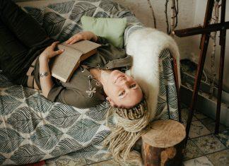Поэт Надя Делаланд // Формаслов. Фото Анны Залетаевой
