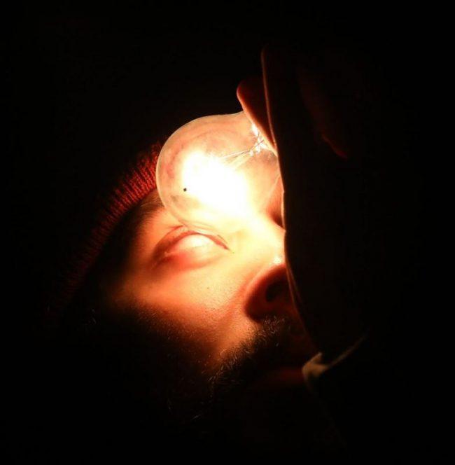 """Спектакль «Летов. Дурачок». Фото Станислава Левшина. Журнал """"Формаслов"""""""