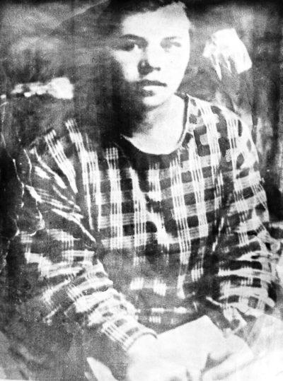 Ксения Некрасова. Фото из архива Веры Прокопьевой. Ирбит, 1929 год // Формаслов