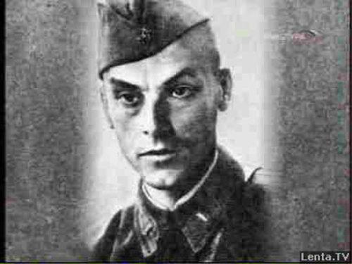 Арсений Тарковский, военное фото. Источник: lenta.tv // Формаслов.